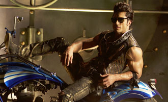 Vidyut used 'Commando 2' producer's bike in 'Hare Krishna Hare Ram' song