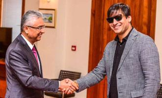 Vivek Oberoi meets Mauritius PM