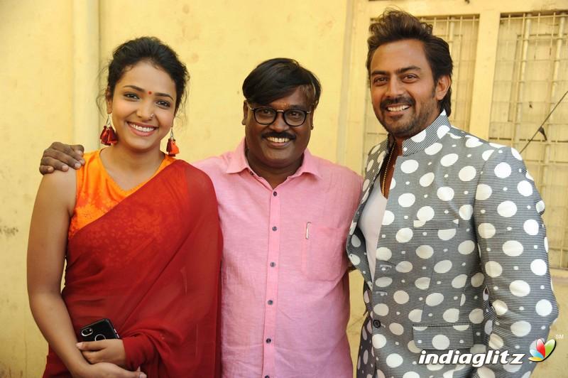 Aa Karaala Rathri & Puta 109 Film Launch Press Meet