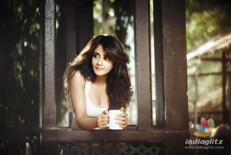 Parul Yadav Butterfly flying for success - Tamil News