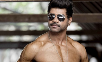 Actor Vionth Prabhakar 6 Pack