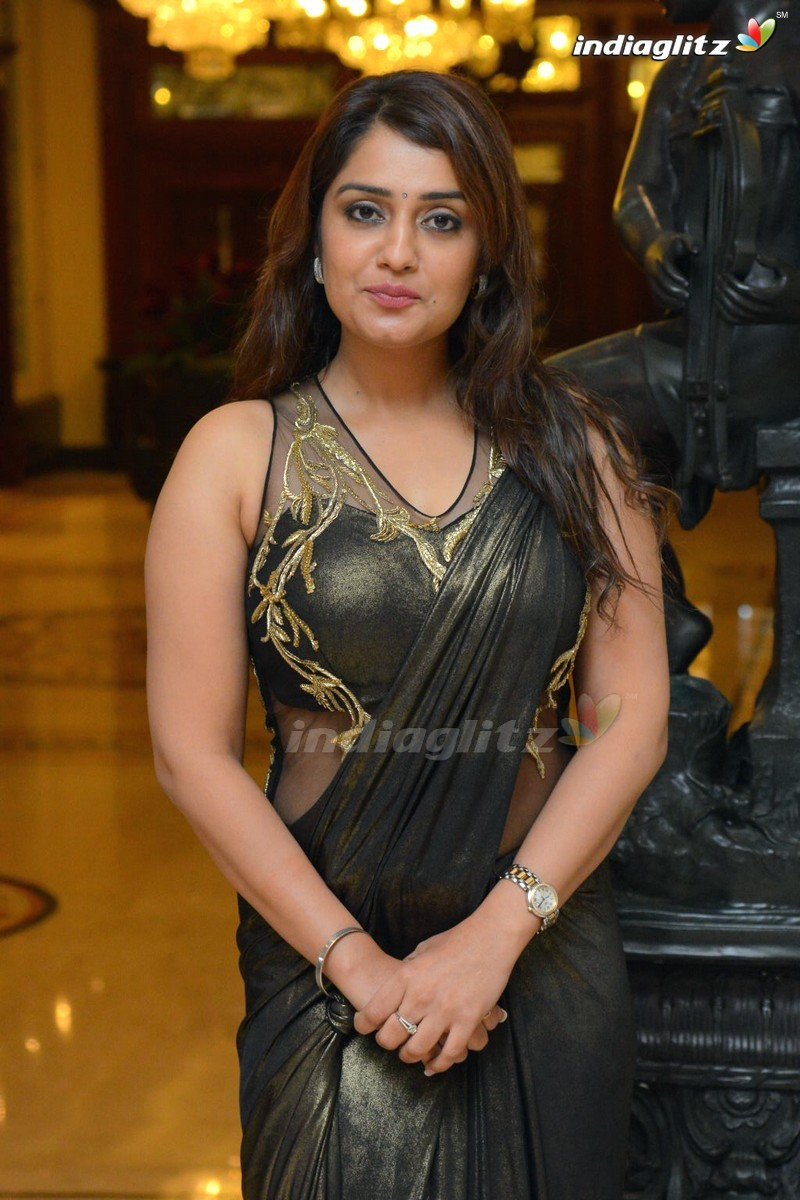 Nikitha photos kannada actress photos images gallery stills and 176 nikitha thecheapjerseys Image collections