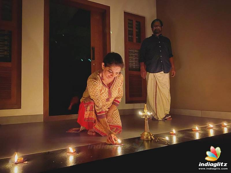9pm 9minutes: Malayalam actors lit up candles to show unity