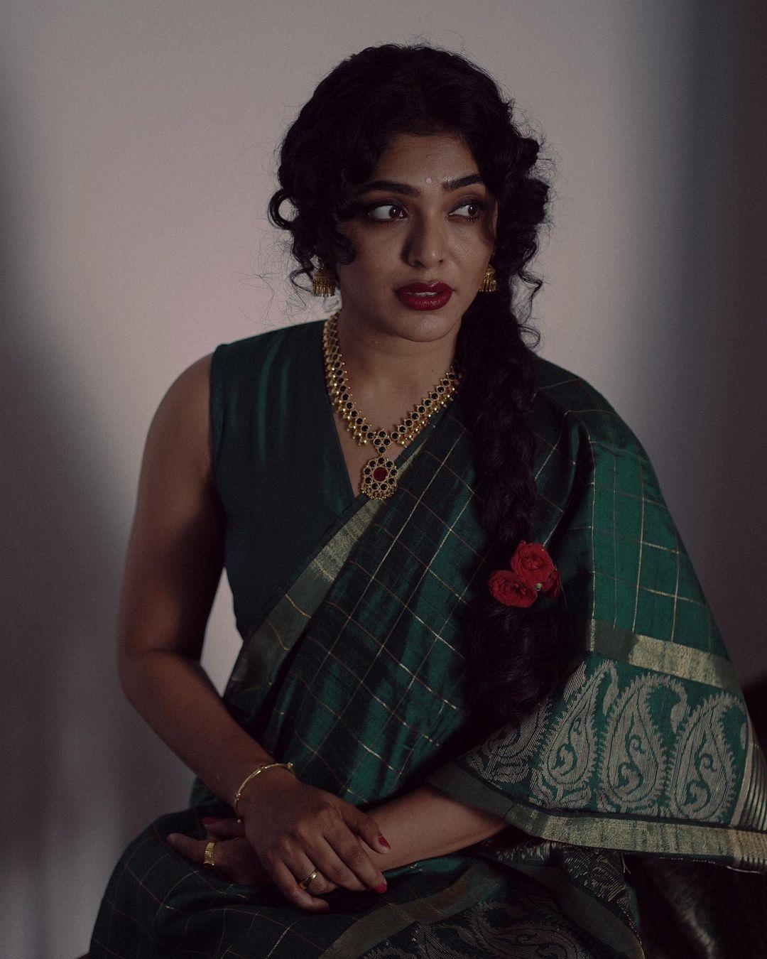 rima Kallingal neelavelicham movie poster