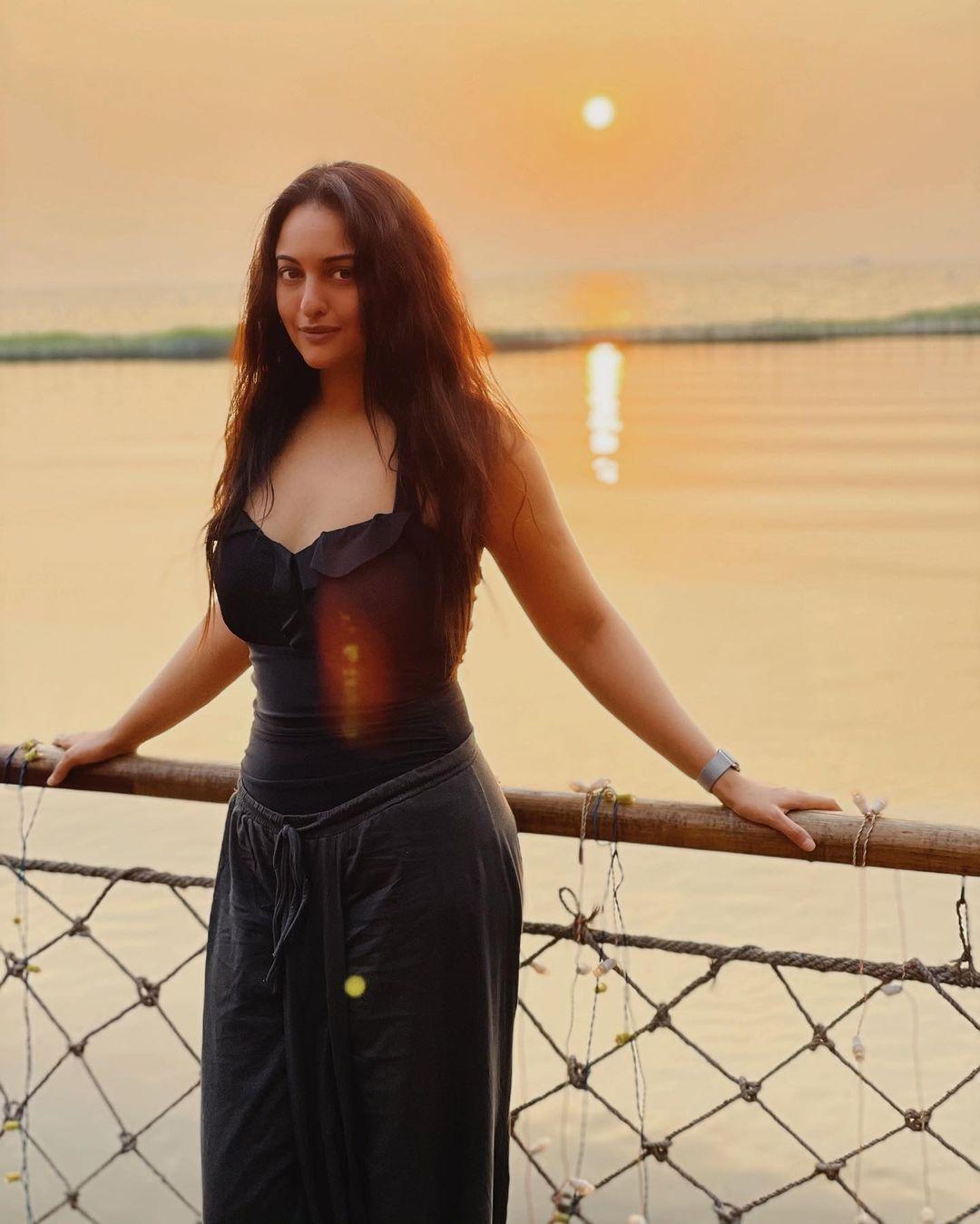 Sonakshi sinha new pics