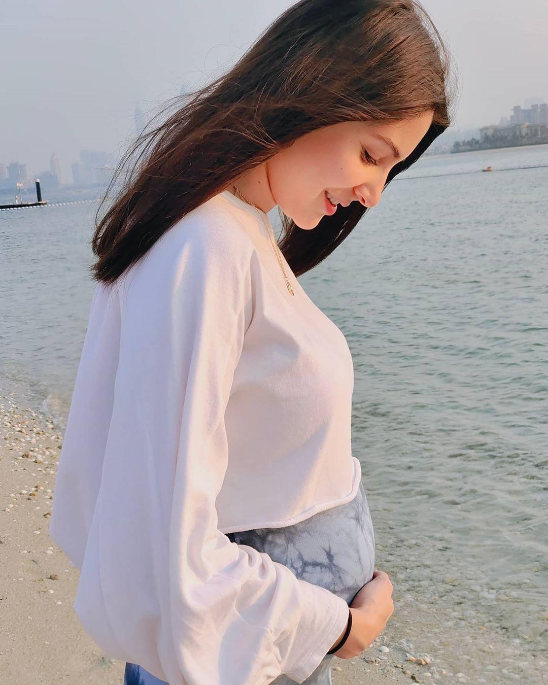 Anushka Sharma bikini pregnancy