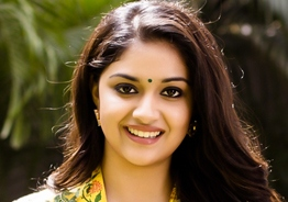 Traditional saree with backless blouse, Keerthy Suresh's look in Marakkar is winning hearts!