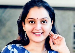 Manju Warrier joins Nivin Pauly's 'Padavettu'