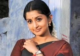 Viral Video: Meera Jasmine joins the sets of Sathyan Anthikad movie