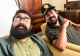 See pic: Mohanlal's uber cool quirky avatar goes viral!