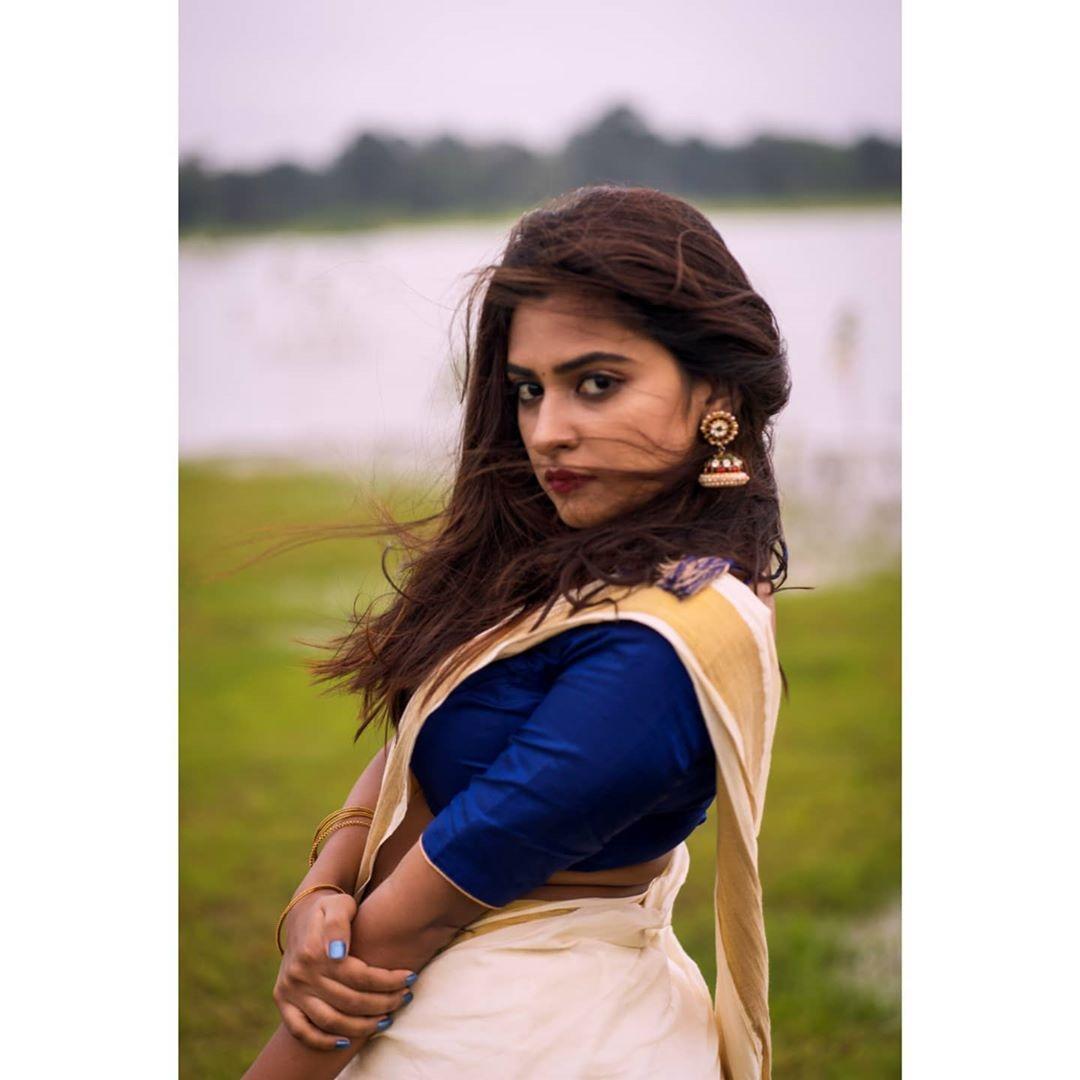 Parvathy Arun saree photos