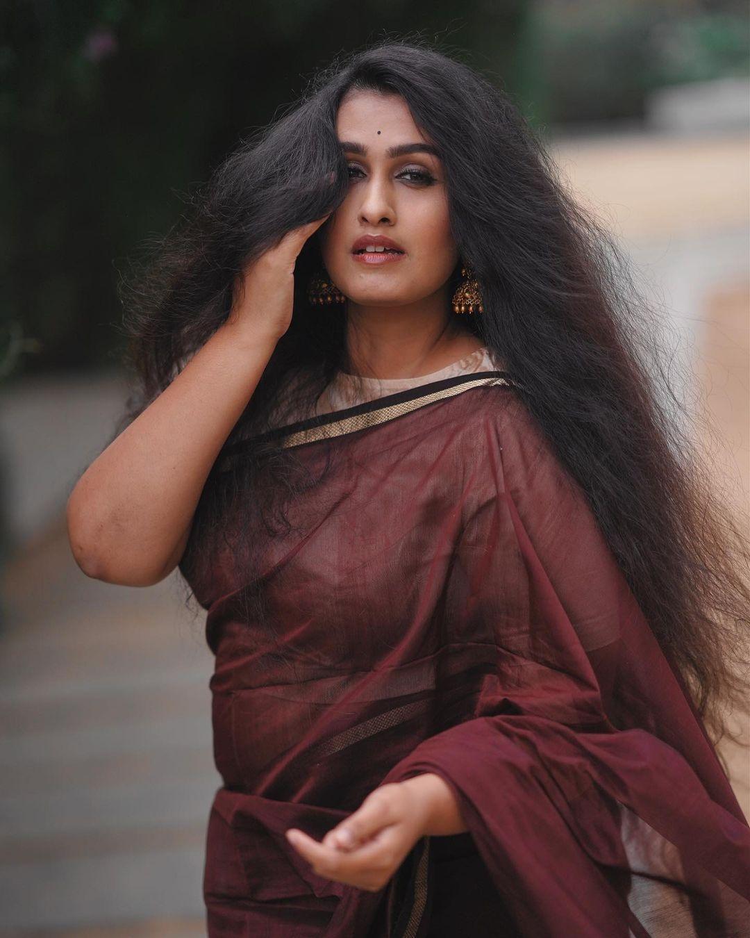 Kavitha nair saree pics new