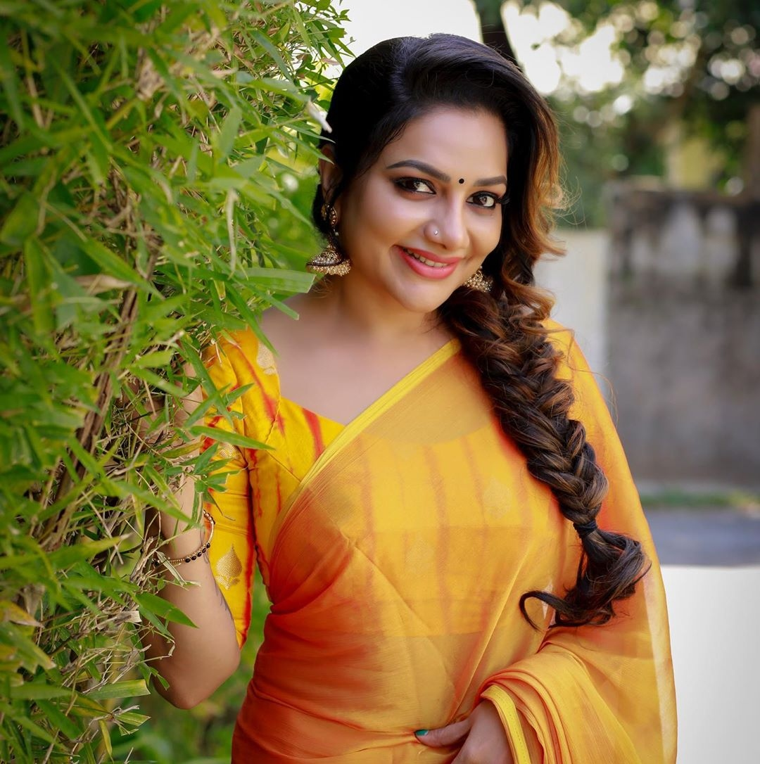 Is Rimi Tomy 45 years old? Finally she reveals her real age! - Malayalam  News - IndiaGlitz.com