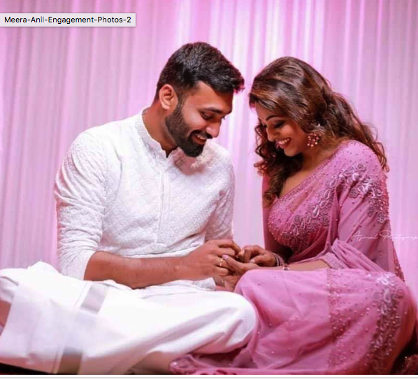 Anchor meera anil engagement