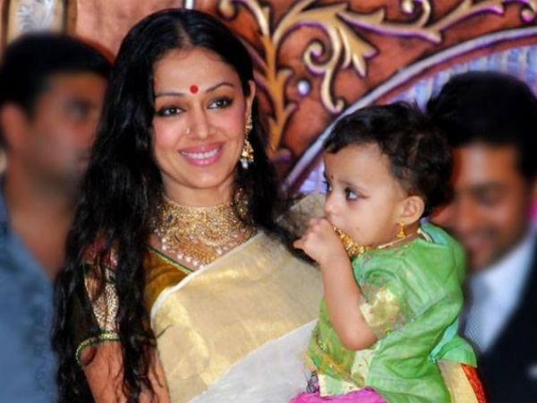 shobana photos with daughter