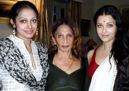 Shobana's picture with her mom and Aishwarya Rai goes VIRAL
