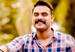 A special treat for Tovino Thomas fans
