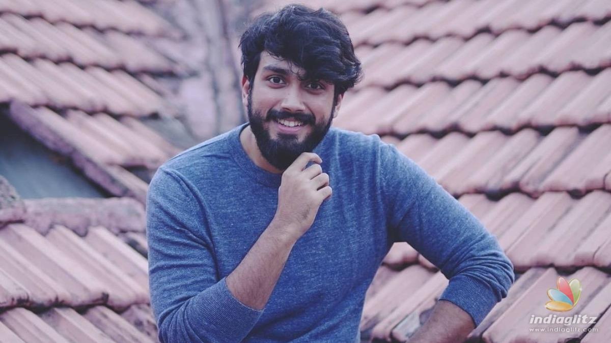 Master meets Student, Kalidas Jayaram has a fanboy moment with Vijay