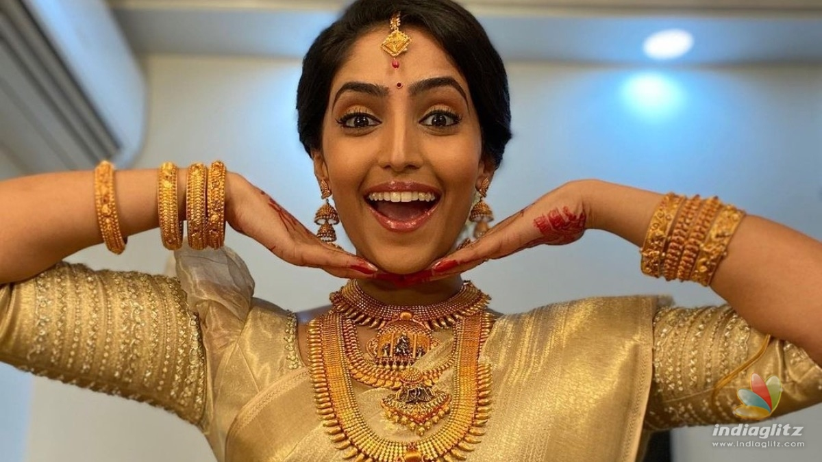Bigil girl Reba Monica to enter wedlock, proposal pics go Viral