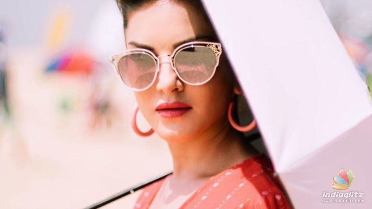 Sunny Leones glamorous photoshoot from Kerala goes VIRAL