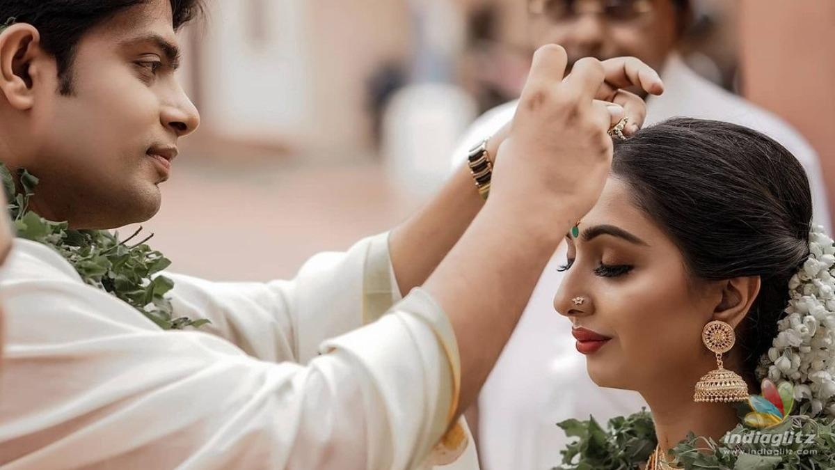 Samyuktha and Biju Menon shine at Utthara Unnis wedding
