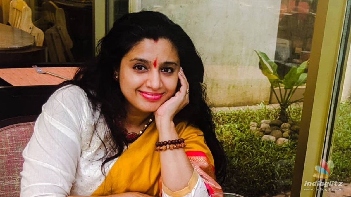 Watch: Latest video of Samyuktha Varma practicing yoga goes viral