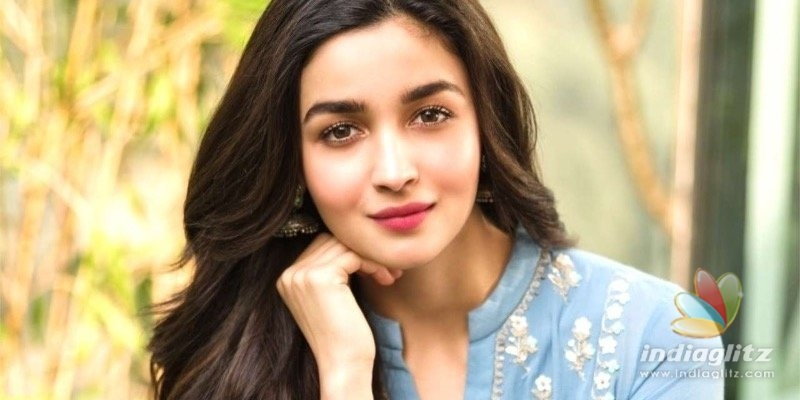 Snake found in actress Alia Bhatts swimming pool