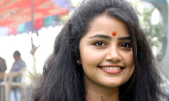 Anupama Parameswaran wraps up her first Tamil movie