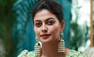 See pics: Anusree stuns fans with her new glamorous avatar