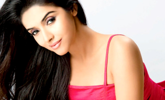 Asin gifted diamond ring worth 6 crores