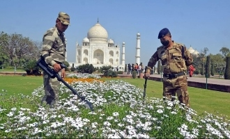 Taj Mahal evacuated after hoax bomb call