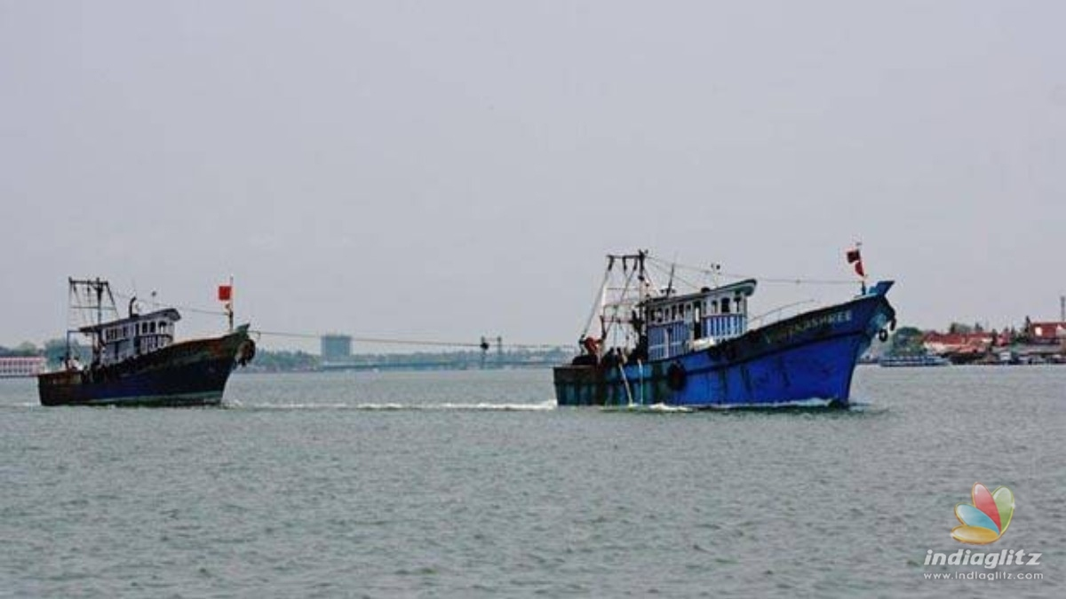 Two fishing boats meet accident