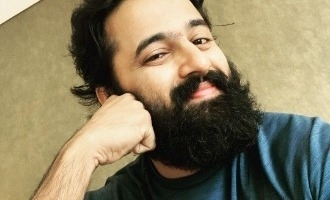 Unni Mukundan shows off his drawing stills !