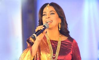 Juhi Chawla recreates Ponnambal Puzhayirambil in Saptamukhi 2016 | Ramesh Pisharadi, Ranjini Haridas
