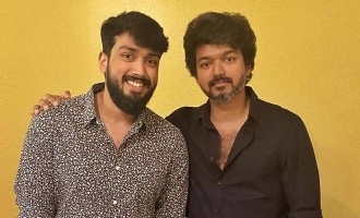 Master meets Student, Kalidas Jayaram has a fanboy moment with Vijay