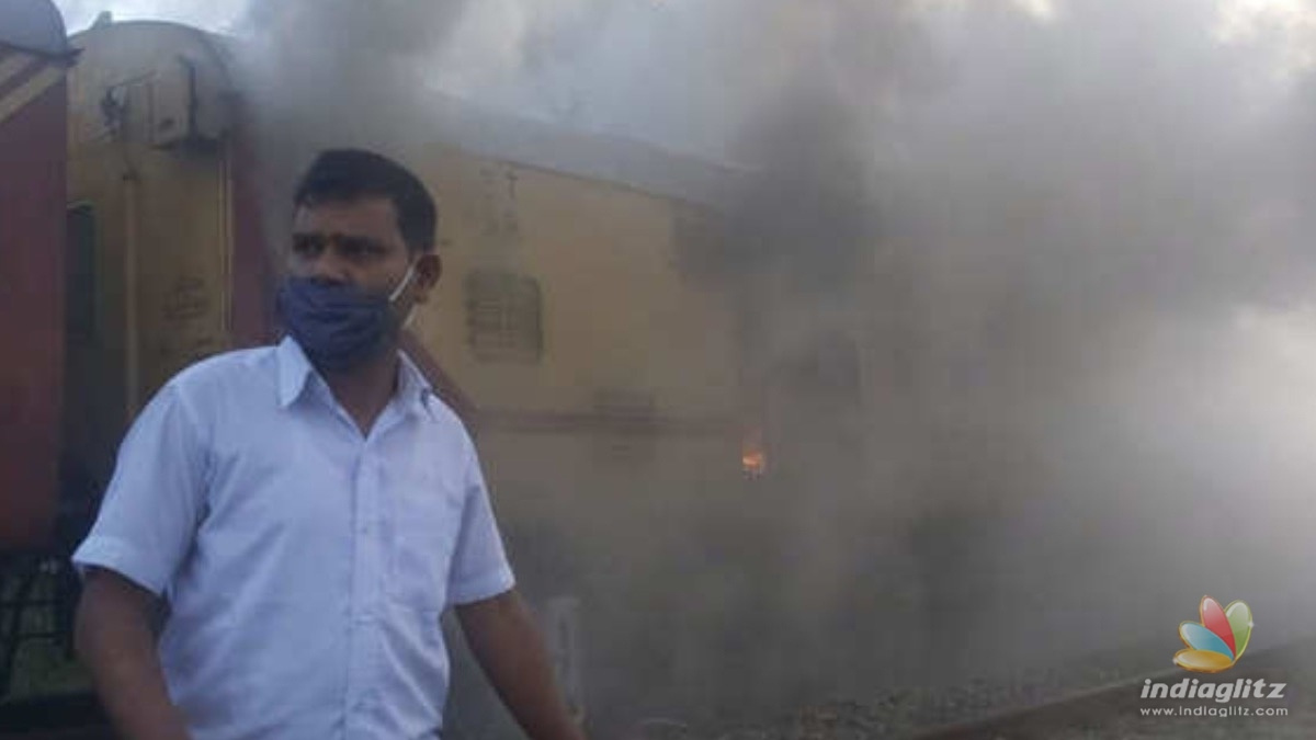Kerala: Major fire breaks out in Train