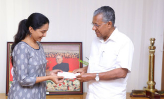 Manju Warrier Meet CM Pinarayi Vijayan