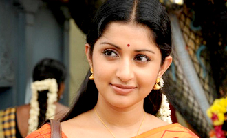 Meera Jasmin courts controversy again