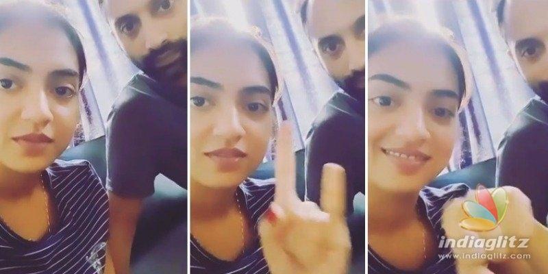 Nazriyas hand emoji challenge with Fahadh Faasil is VIRAL!