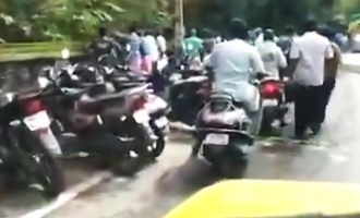 WATCH: People heavily crowding outside this liquor shop goes viral!