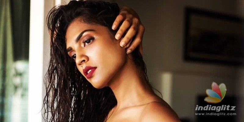 In pics: Shruthy Menon steams up the cyberspace