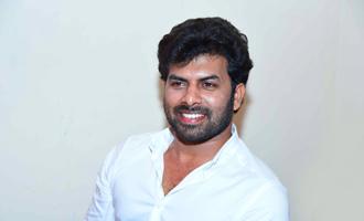 Sunny Wayne's New Movie Pokkiri Simon launch with Vijay fans