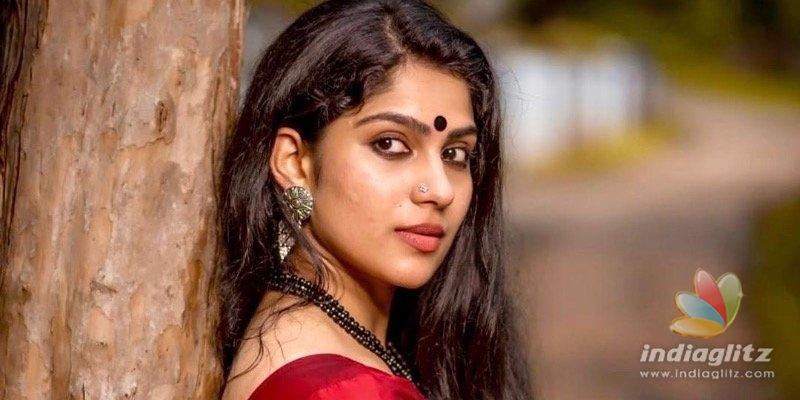 Swasikas latest saree photoshoot goes VIRAL!