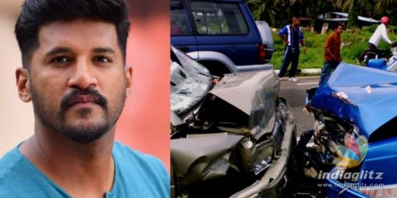 Singer Vijay Yesudas meets with a car accident