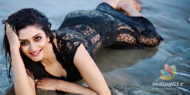 Vimala Ramans bra-less photoshoot sets the internet on fire!