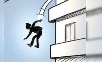 Kerala woman jumps off terrace to save her baby