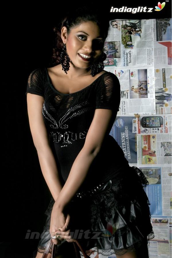 Alisha Manroo