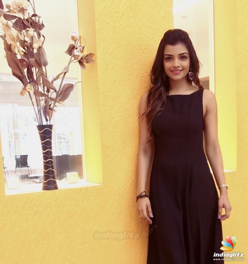 Ashna Zaveri