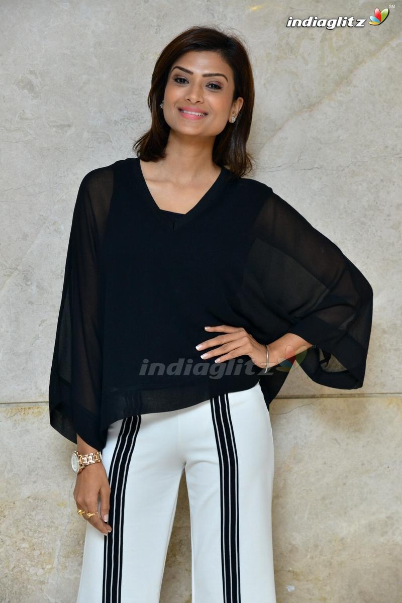 Ishita Vyas