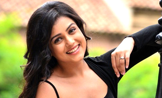 Mishti Chakraborty Photos – Bollywood Actress photos, images, gallery, stills and clips